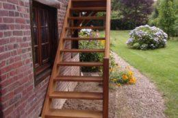Escalier extérieur et garde-corps