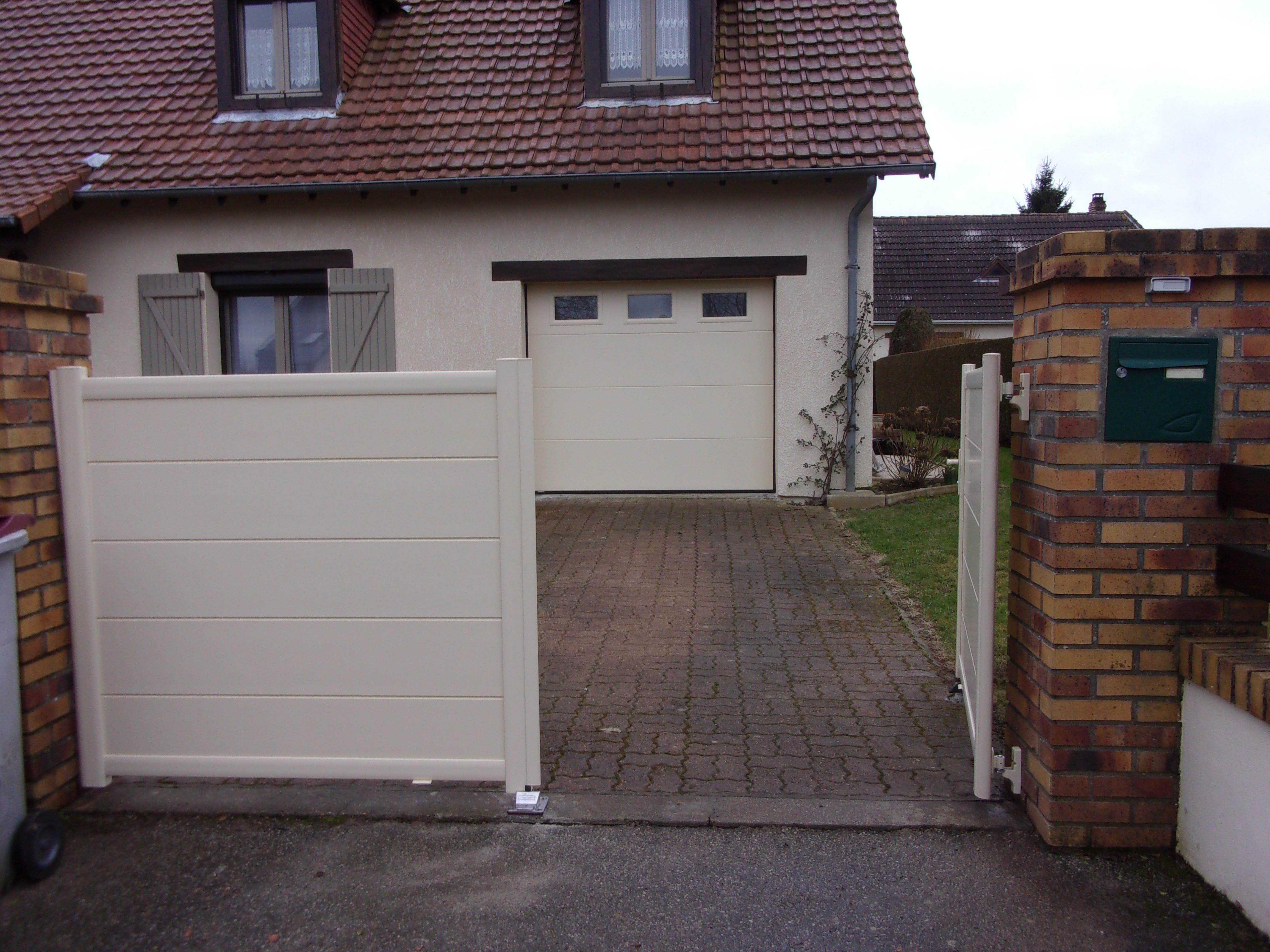 portails portillons et portes de garages menuiserie mouquet pr aux. Black Bedroom Furniture Sets. Home Design Ideas